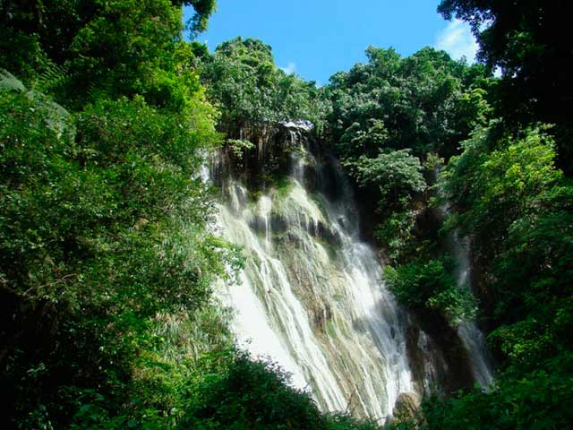 Mele Waterfall