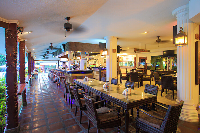 Trade Winds Bar and Restaurant