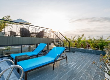 Rooftop Pool, Haka Hotel & Apartment