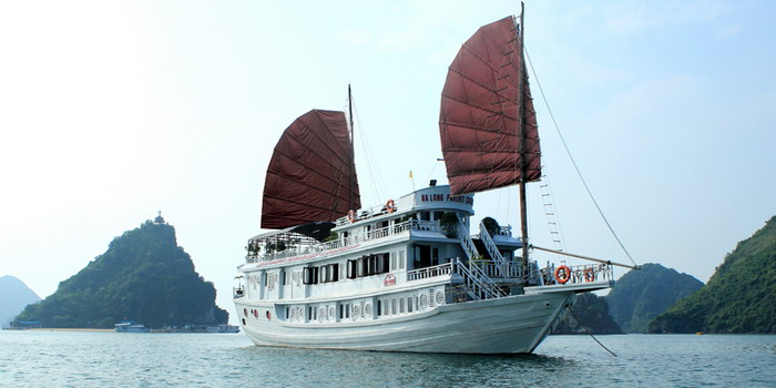 Hanoi – Halong Bay – Halong Phoenix Cruiser