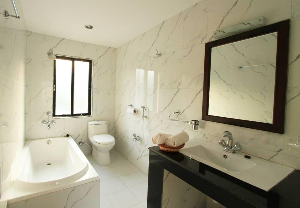 Hotel splendid view affordable luxury hotel in pokhara for Bathroom designs in nepal