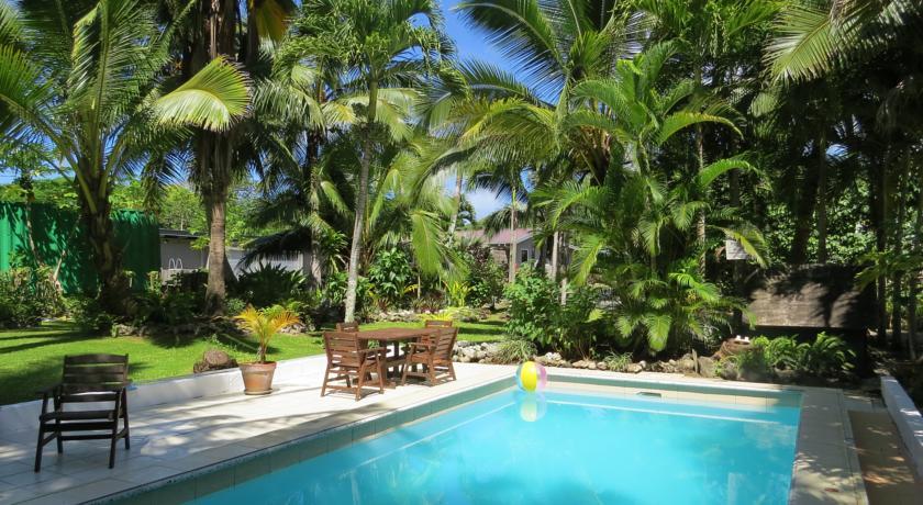 Sunrise Beach Bungalows website - Rarotonga hotel