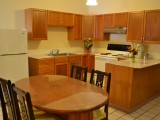 1-2bed room suite-Kitchenette