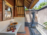 Lumbung Suite Bath Room